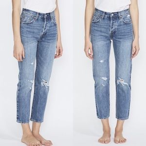 NWT Levis Cropped Vintage Jeans